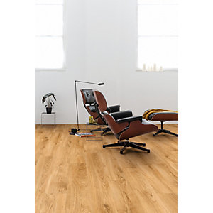 Quick Step Luxury Vinyl Tile Wood Effect Classic Oak Natural Flooring 1251 x 187 x 4.5mm Pack Size 2.105m2