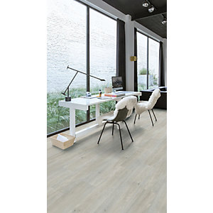 Quick Step Luxury Vinyl Tile Wood Effect Silk Oak Light Flooring 1251 x 187 x 4.5mm Pack Size 2.105m2